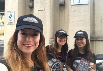 hostess per volantinaggio a Torino per Euroimport Pneumatici