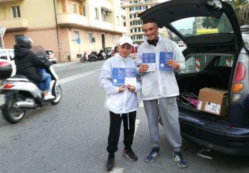 Volantinaggio a Savona per Casa Jorn