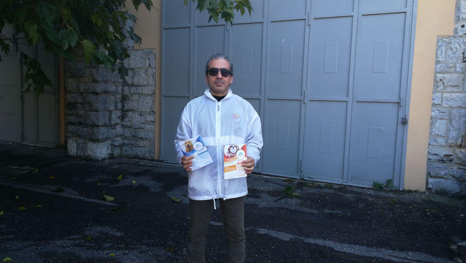 Volantinaggio a Varese per Wash Dog